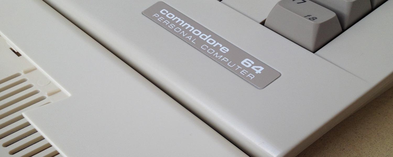 Commodore 64 beige Kickstarter case vs. Commodore 64C standard case color