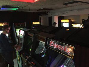 Bip Bip Bar Arcade Hall. DVG Arcade cabinets.