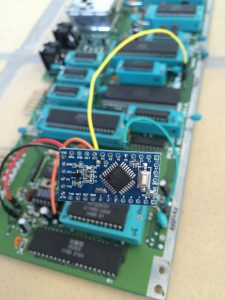 Switchless Reset using an Arduino Pro Mini in a Commodore 64. All cables attached to the motherboard. Read the review on breadbox64.com